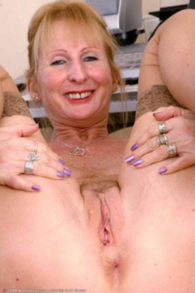 Порно групповуха на вечеринке с горячими сучками