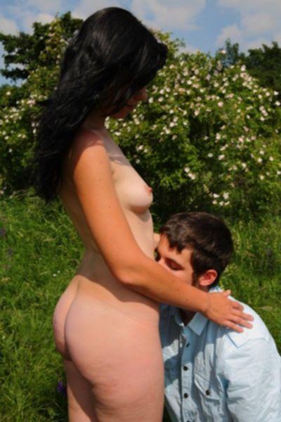 Домашнее порно маленькой Лизы с ее старым любовником