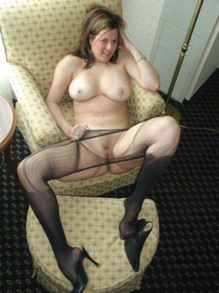 Огромная жопа давалки с дерзкой внешностью