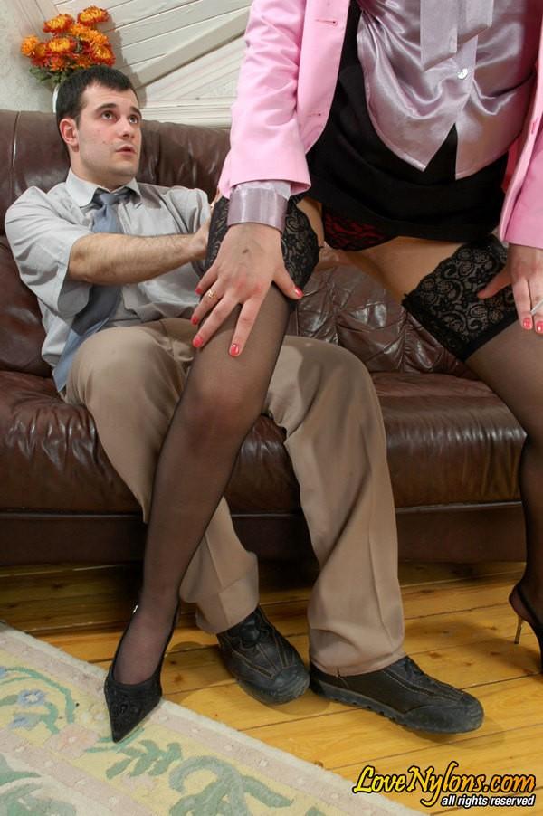 Жаркий секс в офисе начальницы с охранником ||  Фото секс в офисе бесплатно