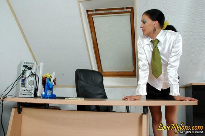 Скрытая камера сняла как муж изменят жене в офисе ||  Фото секс в офисе бесплатно