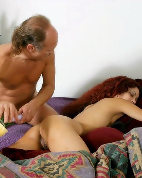Ненасытный дед выебал спящую внучку ||  Порно фото секс со спящими бесплатно