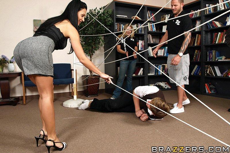 Секс в офисе с симпатичной практиканткой Альбиной ||  Фото секс в офисе бесплатно