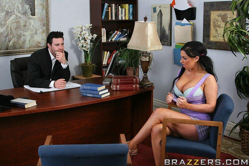 Похотливый босс принимает на работу новую секретаршу через пизду ||  Фото секс в офисе бесплатно